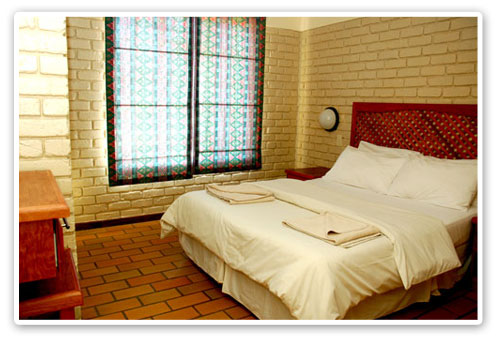 Double Bed Chalet Bakgatla Resort Malaria Free Big Five Pilanesberg Game Reserve Accommodation Booking